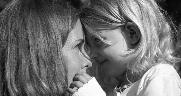 10 маминых фраз из моего детства, которые сделали меня уверенной в себе